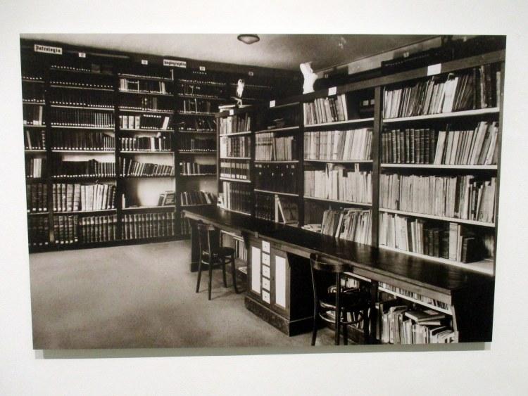 abdij - bibliotheek Marienkroon 1960