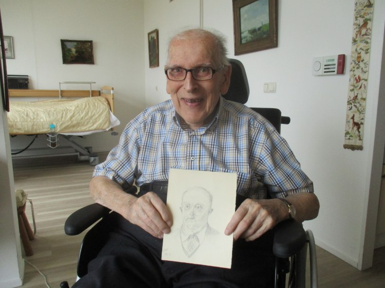 Piet Vel with sketch of Maarten Bloem